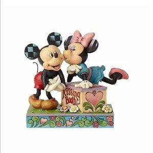 New Disney traditions kissing booth